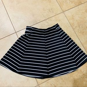 Decree Black and White striped Skater Skirt sz M
